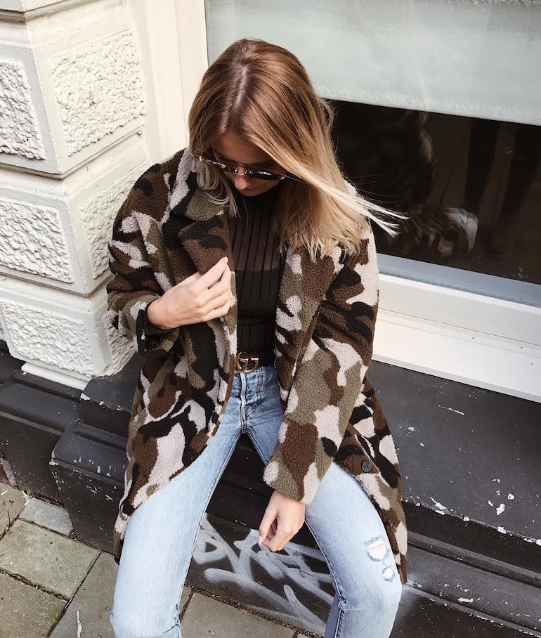 teddy coat met legerprint minimum